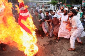 Muslims in Asia protest