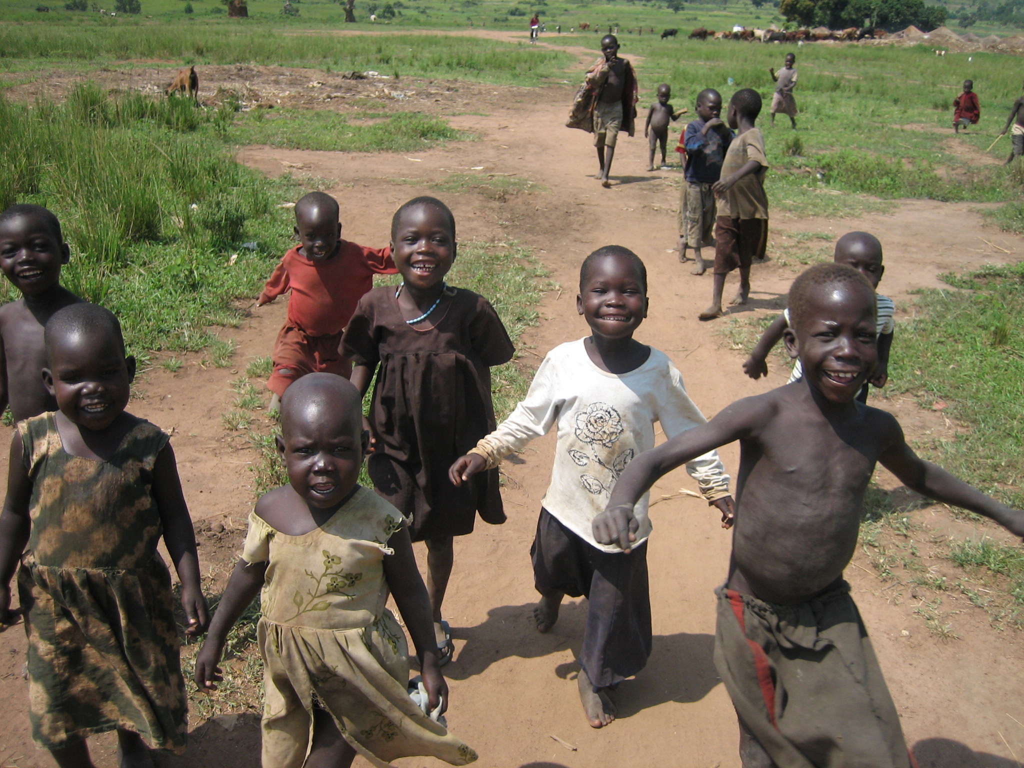 Ugandan children in Awer IDP camp (photo: Sarita Hartz)