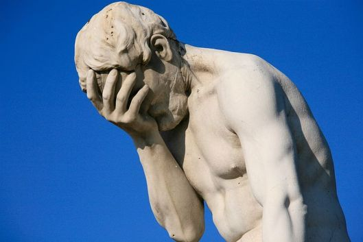 Paris_Tuileries_Garden_Facepalm_statue