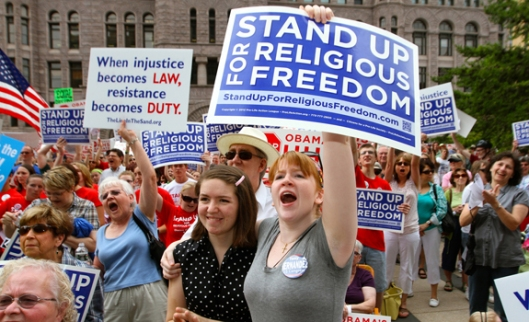 CATHOLICS SHOW SUPPORT DURING MINNEAPOLIS RALLY FOR RELIGIOUS FREEDOM
