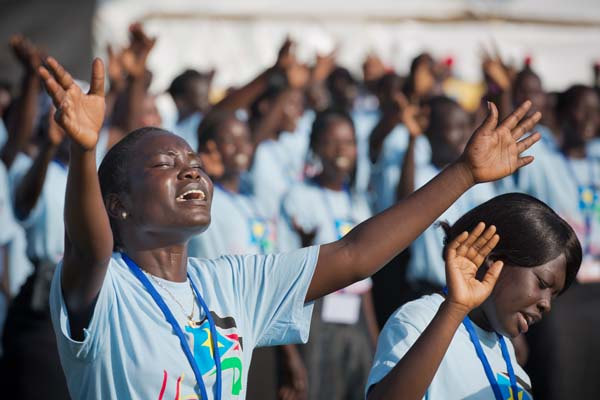 Prayer and praise during the Hope for a New Nation festival in Juba, October 2012 (Photo credit: Billy Graham Evangelistic Association)